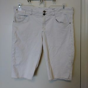 Anthropologie Ett Twa Bermuda shorts